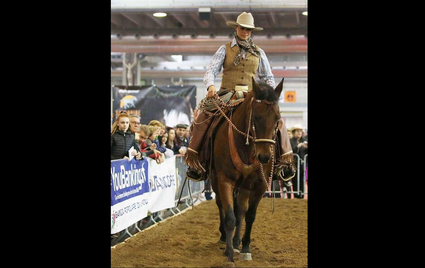 Natalia Estrada a cavallo