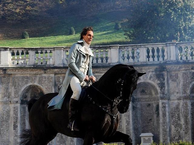 Alessandro Preziosi ha rischiato di cadere da cavallo durante le riprese de la bella e la bestia