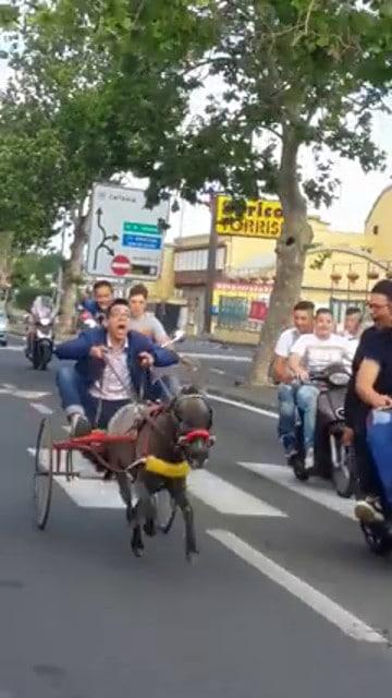 Posta su facebook il video di una corsa clandestina: denuncia per tutti i presenti