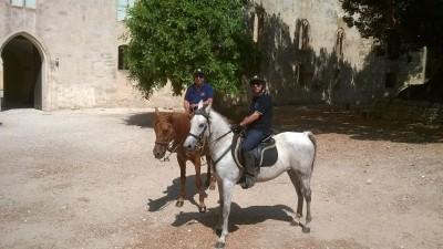 Protezione Civile a cavallo al castello di Donnafugata