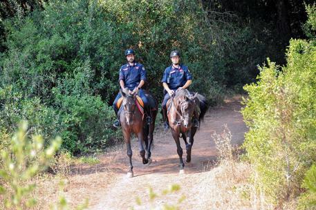 Carabinieri a cavallo a Castel Fusano