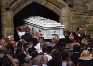 Funerali in pompa magna con grandi cavalli per i boss non solo in Italia